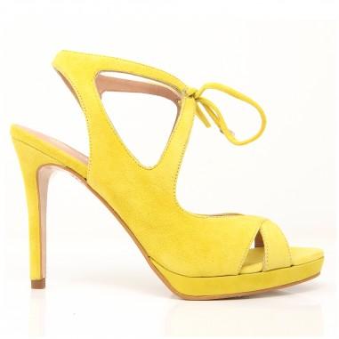 sandalias amarillas ceremonia