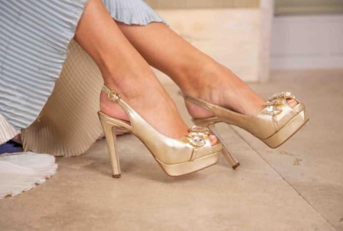 zapato dorado para boda
