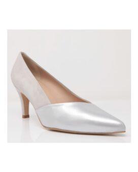 zapatos con tacón bajo y cómodo