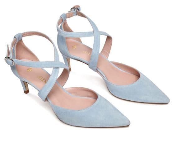vestirse para una boda con sandalias